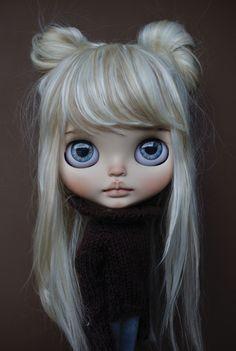 Takara Blythe Monique Magnifique customized by me Doll Clothes Barbie, Doll Toys, Ooak Dolls, Blythe Dolls, Cute Baby Dolls, Gothic Dolls, Blonde Beauty, Cute Faces, Custom Dolls