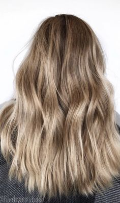 Everyone has a different hair color preference, but certainly the most sought-after color is the one and only: blonde. While going blonde might seem like the ideal hair color to choose for your nex… Brown Hair Balayage, Brown Blonde Hair, Hair Color Balayage, Hair Highlights, Hair Colour, Blonde Hair Inspiration, Hair Inspo, Blonde Hair Looks, Cool Blonde