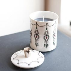 'Jewel' Candle - Scented with Vanilla Coconut. A beautiful gift for your mum with a platinum hand gilt handle (lid). Matching mug also available. Handmade in Stoke-on-Trent, England. Black Gift Box Included, ready to present this Mother's Day. #Jewels #Jewellery #MadeInStokeOnTrent #MadeInEngland #Candle #Platinum #Candles #FineBoneChina #Gift #GiftsForHer #GiftInspiration #Home #Interior