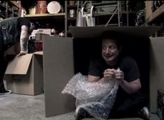 hehe...Tre being his funny/creepy perverted self - nothing unusual here ;) (screen still from 'Cuatro!' documentary?)