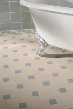 love this floor for a guest bath.