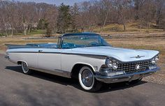 1959 Buick Electra 225 convertible   Fins and wings - moving towards outer space