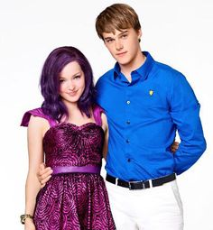 "Dove Cameron and Mitchell Hope. Ben and Mal -- In my idiom (portuguese), ""bem e mal Descendants Mal And Ben, Dove Cameron Descendants, Disney Descendants Movie, Disney Channel Movies, Descendants Cast, Disney Channel Stars, Disney Movies, Descendants Pictures, Descendants Characters"