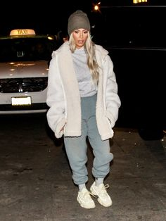 Kim Kardashian was recently spotted wearing an unreleased YEEZY sneaker. Swipe for a closer look, and let us know your thoughts on the shoe below. Kim Kardashian Yeezy, Kardashian Style, Kim Kardashian Blazer, Chill Outfits, Mode Outfits, Fashion Outfits, Kim K Fashion, Kanye West Fashion, Everyday Casual Outfits