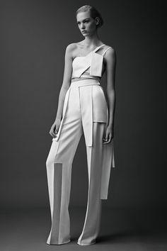 Sfilata Mugler New York - Pre-collezioni Primavera Estate 2015 - Vogue