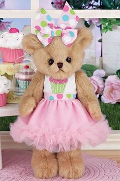 Bearington Bears Collection Sweetie Cakes is an adorable 10 inch plush teddy…