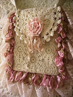 Purse - maybe I should have bought that old tablecloth to make some purses...... this is beautiful