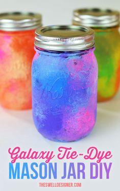 How To Paint Mason Jars: 31 Gorgeous Ideas You Need To Try How to paint mason jars, mason jar crafts Mason Jar Seifenspender, Mason Jar Crafts, Diy Jars, Shabby Chic Baby, Tye Dye, Diy And Crafts Sewing, Diy Crafts, Creative Crafts, Creative Ideas