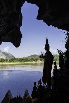 Pak Ou Cave Mekong. Laos