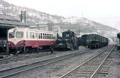 キハ252羽幌炭鑛鐡道 Diesel Engine, Locomotive, Transportation, Japanese, Memories, Memoirs, Souvenirs, Japanese Language, Locs