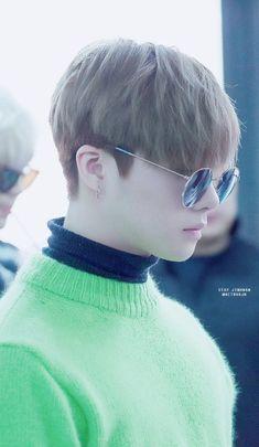 iKON GLOBAL (formerly BTOWIN) is the first international fanbase of YG's all-kill rookie group,. Korean Men Hairstyle, Ikon Kpop, Men Hair Color, Kpop Hair, Kim Hanbin, Korean Star, Haircuts For Men, True Beauty, Hair Designs