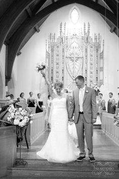 Laura + Satchel. Summer wedding at Crossed Keys Inn. Photography by Bia Sampaio