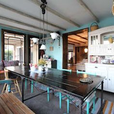 Provence Villa in İstanbul: country Kitchen by Orkun İndere Interiors