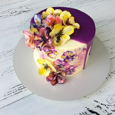 """757 Likes, 11 Comments -  ТОРТЫ и ПРЯНИКИ  (@jane__cakes) on Instagram: """"Ещё разок хочу показать этот тортик ☺️, вы же не против  . Девчули , спасибо всем огромное за…"""""""