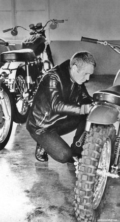 Steve McQueen in super hip motorcycle wear