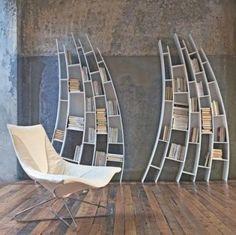 Sway: These Primo Quarto shelves by Giuseppe Vigano for Saba Italia make quite a statement!