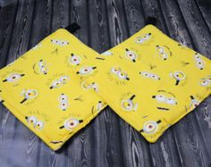 Minion Pot Holder Set by deezignz. Explore more products on http://deezignz.etsy.com