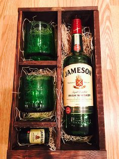 Jameson Whiskey Gift Set 2 Rocks Glasses and 1 Shot Alcohol Gift Baskets, Alcohol Gifts, Jameson Bottle, Whiskey Gift Set, Anniversary Ideas For Him, Jameson Irish Whiskey, Diy Gifts For Men, Whisky, Bottle Crafts