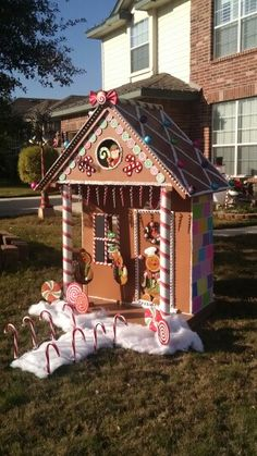 DIY Life Sized Gingerbread House For Christmas