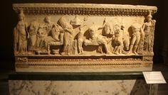 İstanbul Arkeoloji müzesi muhtelif lahit örnekleri.