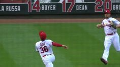 UNREAL, Aledmys. http://atmlb.com/1TVc9z1‌  St. Louis Cardinals SS Aledmys Diaz makes insane catch to turn two vs. Chicago Cubs.