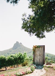 free-standing door to the ceremony // photo by IsaPhotography.net
