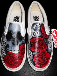 14 Vans shoes skull design - All About Painted Canvas Shoes, Painted Sneakers, Hand Painted Shoes, Painted Clothes, Painted Toms, Walk In My Shoes, Me Too Shoes, Vans Shoes Fashion, Custom Vans Shoes