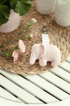 Crochet Elephant Amigurumi Free Pattern with Video Crochet Baby Mobiles, Crochet Toys, Amigurumi Patterns, Crochet Patterns, Crochet Elephant, Baby Rattle, Softies, Baby Gifts, Free Pattern