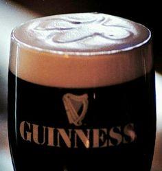 A tradicional cerveja irlandesa Guinness comemora 251 anos de história nesta quinta-feira com festas e brindes em bares de todo o mundo. A cerveja escura