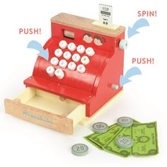 Le Toy Van Registrierkasse: Die Kasse von Le Toy Van ist aus robustem Holz und sie lässt sich wie eine echte Kasse bedienen. Die Schublade funktioniert mit einer Springfeder und springt immer dann auf, wenn die Kinder auf die weichen Knöpfe drücken.  Zur Kasse gehören natürlich auch das passende Geld in Münzen und Scheinen sowie ein Kassenbon, denn schließlich muss auch im Kaufmannsladen alles seine Ordnung haben.  Die tolle Kasse sollte in keinem Kaufladen fehlen.