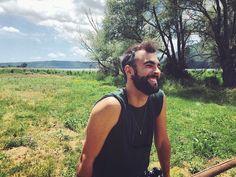 """""""Mi piace"""": 25.3 mila, commenti: 431 - Marco Mengoni (@mengonimarcoofficial) su Instagram: """"Con l'aria in faccia, inseguo la mia onda positiva! ...e quali sono le vostre onde?!?"""""""