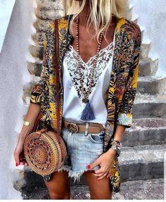 Bohemian lifestyle and boho style fashion boho chic style удобная мода, мод Boho Summer Outfits, Boho Fashion Summer, Look Fashion, Womens Fashion, Ibiza Fashion, Summer Clothes, Hippie Chic Outfits, Fashion Design, Mode Hippie