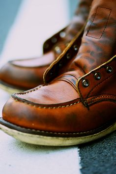 Red Wing 875 Mens Shoes Boots, Lace Up Boots, Jeans And Boots, Leather Boots, Red Wing 875, Red Wing Moc Toe, Bottes Red Wing, Red Wing Boots, Boat Shoes