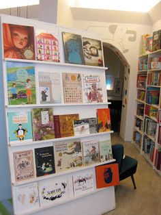 I Heart Picture Books: Picture Book Shop: Mundo Azul in Berlin