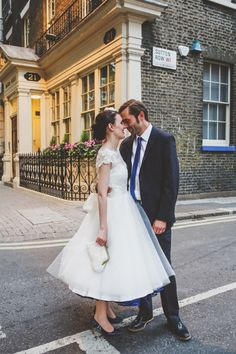 Quirky London City Wedding www.jordannamarston.com/