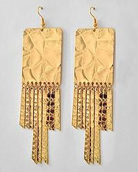 My new favorite earrings - Antique Dangle Earrings available at R'Belle Boutique for only $7 in gold & silver
