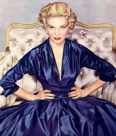 Vintage Glamour. ♥ So beautiful! I actually have the pattern to make this exact dress!