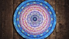 Arte em Mandala feitas por encomenda. Mandalas Design por Juliana Figueira Contato: julianafigueirasouza@gmail.com https://www.facebook.com/sattwamandalasdesign