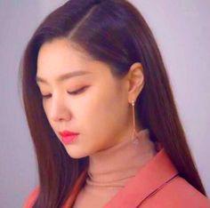 Crash Landing on You Seo Ji-hye Inspired Earrings 005 Korean Accessories, Gold Accessories, Korean Beauty Routine, Beauty Routines, Seo Ji Hye, Jung Hyun, Guns And Roses, Size Zero, Rose Gold Jewelry