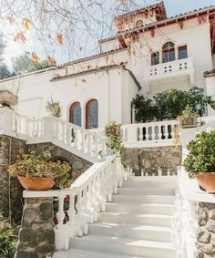 The Incomparable Laurel Canyon Abode Once Home to Rock Legends Spanish Colonial Homes, Wordpress, Spanish Modern, Mediterranean Style Homes, Laurel Canyon, Light And Space, California Dreamin', Inspired Homes, House Colors