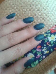 oval nails, sea-blue