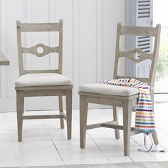 Our Chinwag Beached kitchen chairs are extremely comfy! They are in our beached timber finish which goes nicely with our beached timber kitchen tables. Timber Kitchen, Solid Wood Kitchens, Wooden Kitchen, White Kitchen Chairs, Kitchen Tables, Kitchen Ideas, Loaf Furniture, Industrial Dining Chairs, Pine Table
