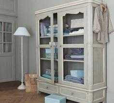 armoire à linge beaumanoir de maisons du monde dans la buanderie