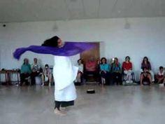 Yumma Mudra (Myriam Szabo) danzatrice e fondatrice del progetto Danza #Duende. Con lei impariamo ogni giorno a #danzare la #vita. La ricerca dell' #autenticità nel #movimento e nell'espressione personale per portare la #vita nella danza e la danza nella vita..