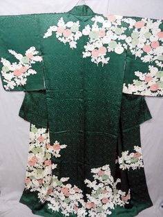"JAPANESE ART SILK KIMONO ""ANTIQUE TAISHO TOMESODE"" CHRYSANTHEMUM Japanese Clothing, Japanese Outfits, Japanese Kimono, Japanese Art, Silk Kimono, Kimono Top, Japanese Chrysanthemum, Printing On Fabric, Bedding"