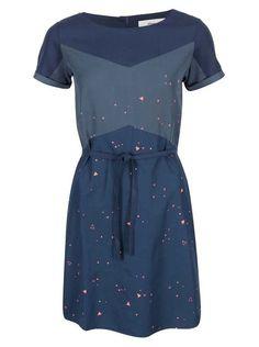 Modré šaty s trojuholníčkami Skunkfunk Jessamine Short Sleeve Dresses, Dresses With Sleeves, Clothing Patterns, Nice Dresses, Shirt Dress, Fashion Outfits, My Style, Shirts, Clothes