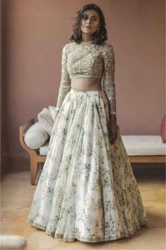 Looking for Floral print Sabyasachi lehenga in white and gold? Browse of latest bridal photos, lehenga & jewelry designs, decor ideas, etc. on WedMeGood Gallery. Indian Wedding Gowns, Indian Gowns, Indian Attire, Indian Outfits, Goa Wedding, Lehenga Wedding, Maroon Wedding, Indian Weddings, Green Wedding