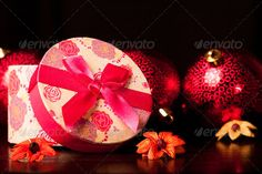 Realistic Graphic DOWNLOAD (.ai, .psd) :: http://jquery-css.de/pinterest-itmid-1006570751i.html ... Rounded Gift Box Christmas ...  celebration, christmas, dark, decorate, decoration, evening, gift, gift box, happy, holiday, magic, merry, night, ornamental, ornaments, present, ribbon, season, seasonal, shining, shiny, small, xmas  ... Realistic Photo Graphic Print Obejct Business Web Elements Illustration Design Templates ... DOWNLOAD :: http://jquery-css.de/pinterest-itmid-1006570751i.html