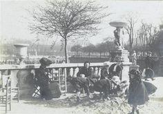 Paris, enfants jouant au tas de sable, Jardin du Luxembourg Lhermitte Charles Augustin (1881-1945)Paris, musée d'Orsay