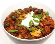 How to cook that Vegetarian Chili at home.Vegetarian Chili makes the best flavorful all time comfort dish and the best Vegetarian Chili recipe